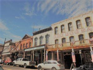 西部劇映画セットさながらのVirginia City